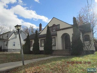 Passaic County Single Family Home For Sale: 8 Linden Road