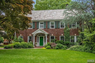 Essex County Single Family Home For Sale: 125 Christopher Street
