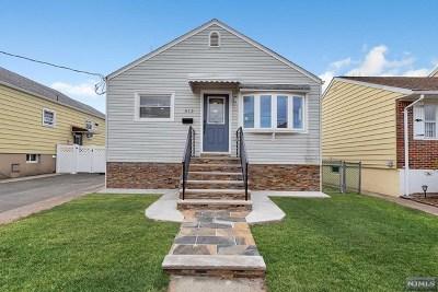 Lyndhurst Single Family Home For Sale: 412 Thomas Avenue