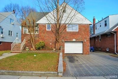 Ridgefield Multi Family 2-4 For Sale: 723 Clark Avenue