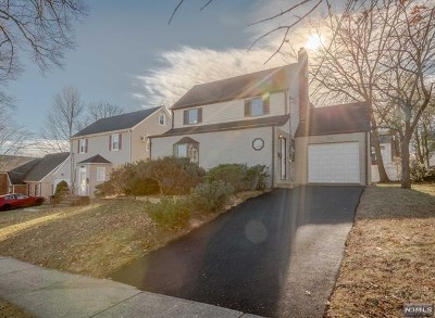 Teaneck Single Family Home For Sale: 52 Cranford Place