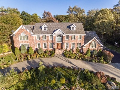 Franklin Lakes Single Family Home For Sale: 691 Orchard Lane
