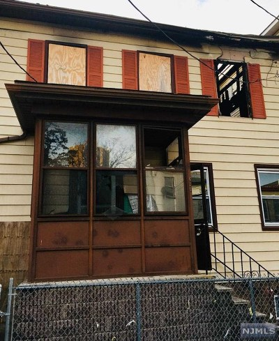 Passaic County Single Family Home For Sale: 518 Summer Street