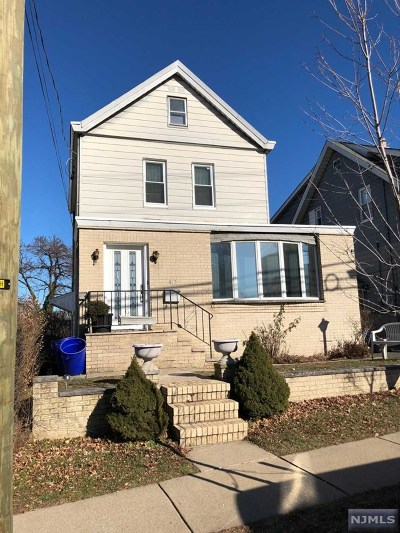 Lyndhurst Single Family Home For Sale: 417 Page Avenue