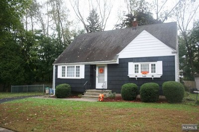 Teaneck Single Family Home For Sale: 312 Marine Court
