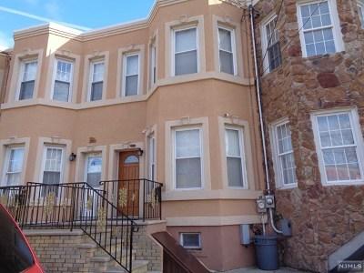 Passaic County Single Family Home For Sale: 187-1/2 Howe Avenue