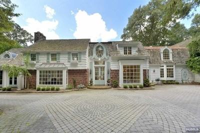 Bergen County Single Family Home For Sale: 63 Oak Road