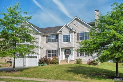 Morris County Single Family Home For Sale: 906 Timberline Drive