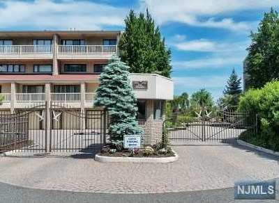 Edgewater Condo/Townhouse For Sale: 1225 River Road #2c