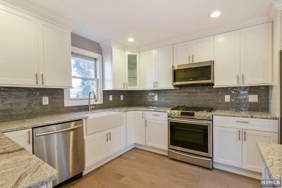 Bergen County Single Family Home For Sale: 303 Wyckoff Avenue