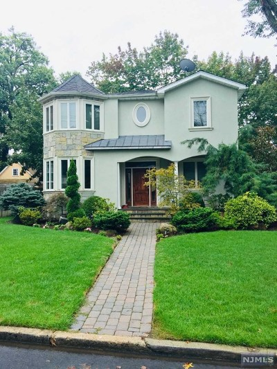 Cresskill Single Family Home For Sale: 74 Morningside Avenue