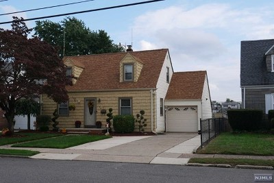 Bergen County Single Family Home For Sale: 52 Washington Avenue