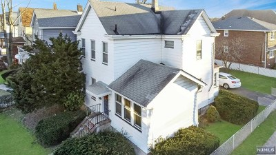 Lyndhurst Single Family Home For Sale: 338 Valley Brook Avenue