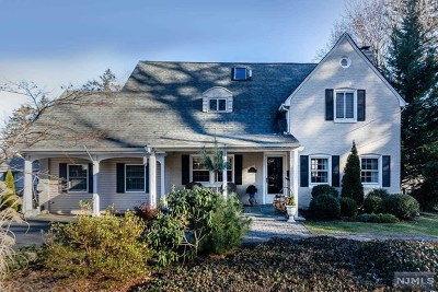 Oradell Single Family Home For Sale: 727 Shadow Lane