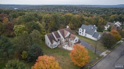 Passaic County Single Family Home For Sale: 8 Stone Hill Road