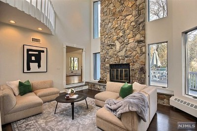 Demarest Single Family Home For Sale: 92 Orchard Road