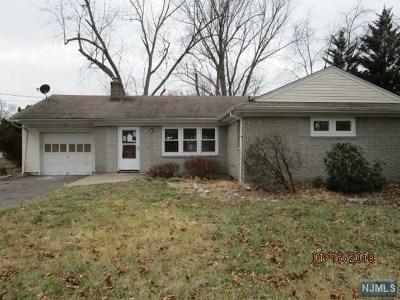 Midland Park Single Family Home For Sale: 43 Susan Avenue