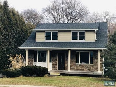 Ramsey Single Family Home For Sale: 310 Wyckoff Avenue