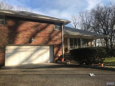 Leonia Single Family Home For Sale: 571 Grandview Terrace