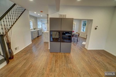 Teaneck Single Family Home For Sale: 14 Walnut Street