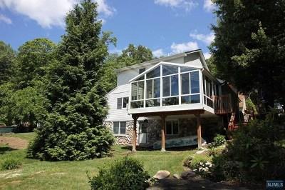 Ringwood Single Family Home For Sale: 6 Howard Street