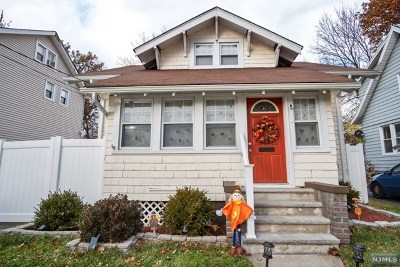 Teaneck Single Family Home For Sale: 17 Westervelt Place