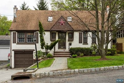 Essex County Single Family Home For Sale: 15 Dogwood Terrace