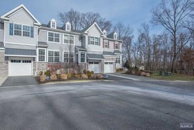 Waldwick Condo/Townhouse For Sale: 28 Masterson Court