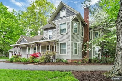 Saddle River Single Family Home For Sale: 145 West Saddle River Road