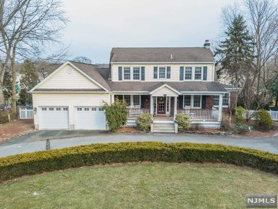 Passaic County Single Family Home For Sale: 722 Valley Road