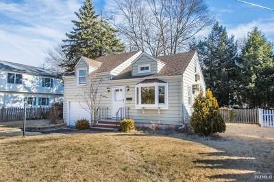 Ridgewood Single Family Home For Sale: 329 Eastside Avenue