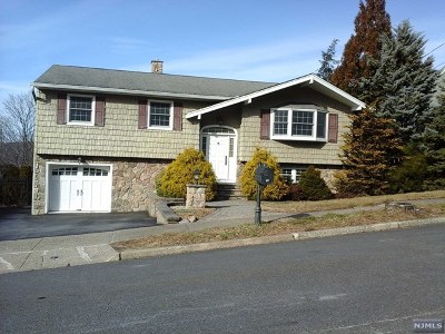 Wanaque Single Family Home For Sale: 27 Borman Drive