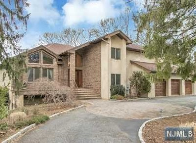 Bergen County Single Family Home For Sale: 60 Horizon Court