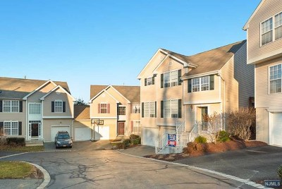 Morris County Condo/Townhouse For Sale: 54 Brock Lane