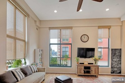 Hudson County Condo/Townhouse For Sale: 518-536 Gregory Avenue #A323