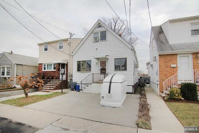 Bergen County Single Family Home For Sale: 72 Rutherford Place