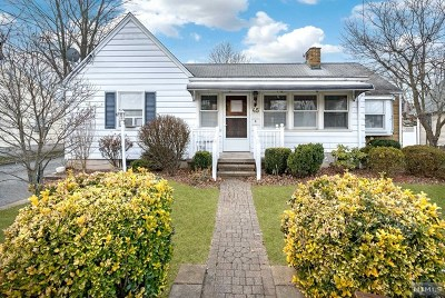 Wanaque Single Family Home For Sale: 45 Laura Avenue
