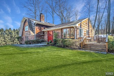 Morris County Single Family Home For Sale: 105 Kakeout Road