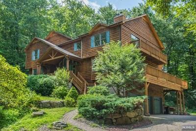 Morris County Single Family Home For Sale: 184 Kinnelon Road
