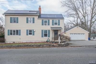 Passaic County Single Family Home For Sale: 381 Black Oak Ridge Road