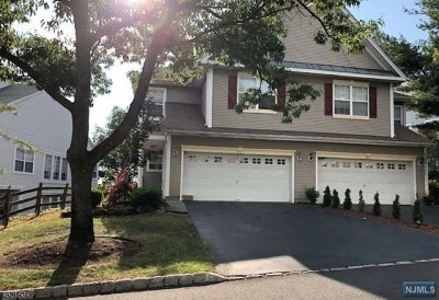 Passaic County Condo/Townhouse For Sale: 114 Warbler Drive