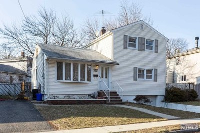 Bergen County Single Family Home For Sale: 86 Elm Avenue