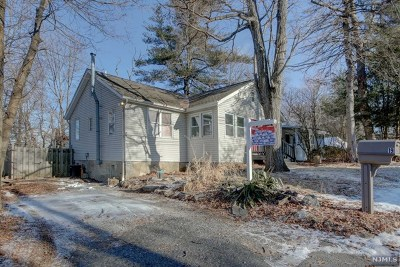 West Milford Single Family Home For Sale: 19 Audubon Road