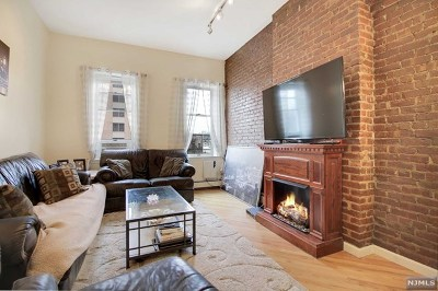 Hudson County Condo/Townhouse For Sale: 218 Jefferson Street #7