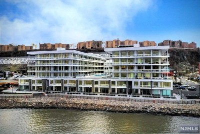 Edgewater Condo/Townhouse For Sale: 3 Somerset Lane #424
