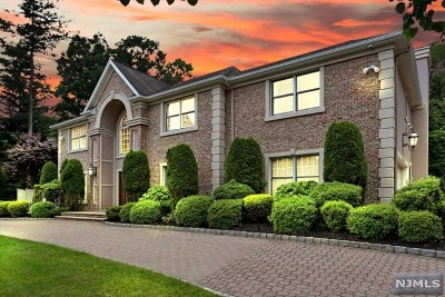 Bergen County Single Family Home For Sale: 33 Orangeburgh Road