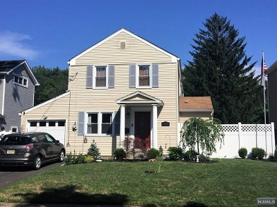 Bergen County Single Family Home For Sale: 398 Burlington Road