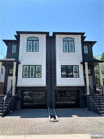 Cliffside Park Condo/Townhouse For Sale: 208 Knox Avenue #A