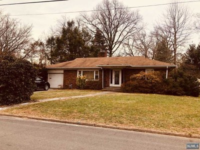 Oradell Single Family Home For Sale: 645 Lake Avenue