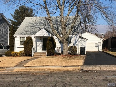 Bergenfield Single Family Home For Sale: 207 New Jersey Avenue